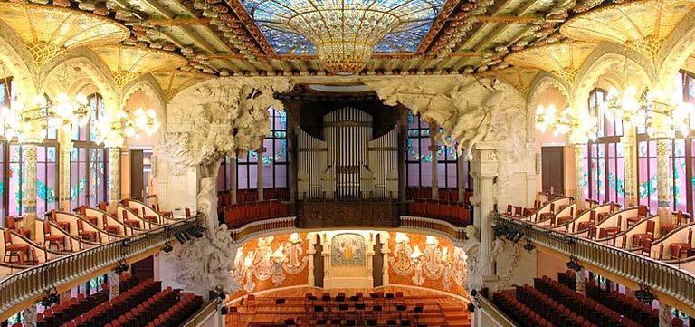 カタルーニャ音楽堂で非日常をあじわう